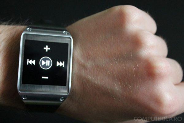 Samsung Galaxy Gear Play Pause