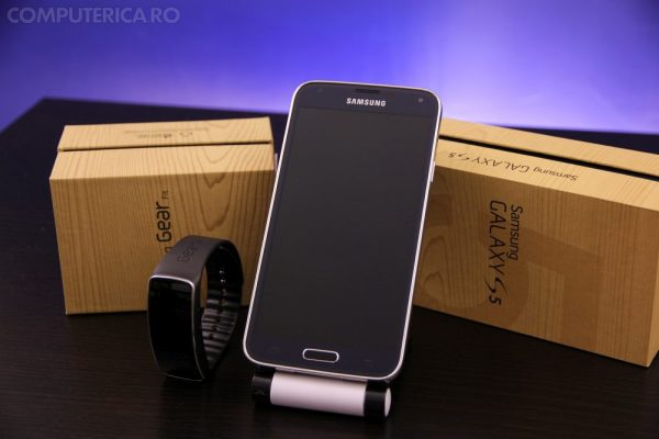 Samsung Gear Fit si Galaxy S5