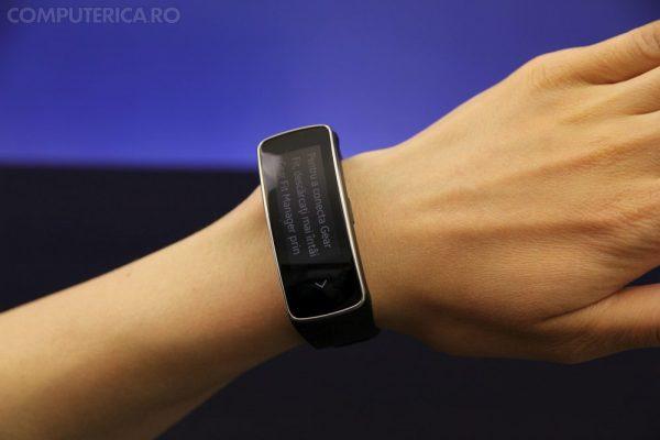 Samsung Gear Fit design